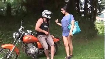 Avantajadas boneca dando para o mototáxi safado