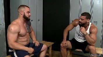 Gay xvideo anal no vestiário