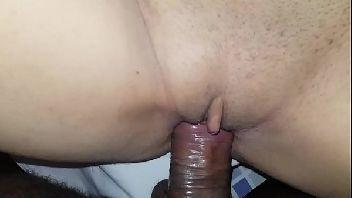 Casadas no cio metendo em um anal vistoso