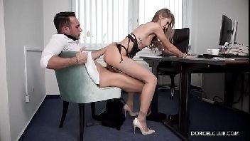 Loira porno safadinha dando para o seu chefe