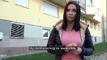 Videos pono safadinha dando por dinheiro para o comedor