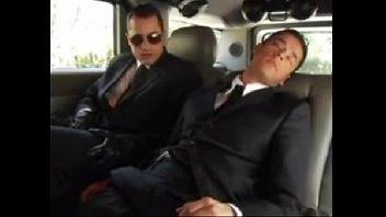 Executivos gays metendo gostoso no carro