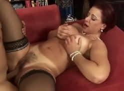 Porno mature safada ruiva dando de perna aberta