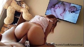 Video pornografico cadela sentando forte com o cu