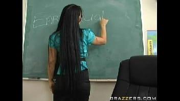 Amador porno gostosa dando a buceta pro seu aluno bem dotado