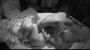 Sexo bbb 18 canalha socando forte na buceta da participante
