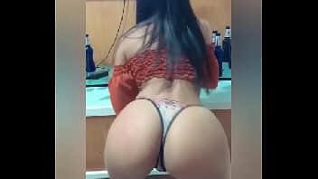 As bundas mais gostosas novinha brasileira dançando e fodendo
