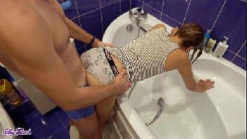 Pornorama penetrando com raiva na xereca apertadinha da ninfeta gostosa