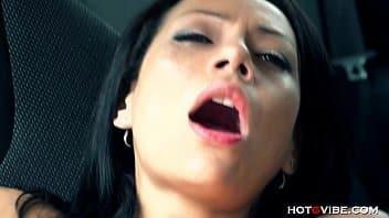Vidios pornos gratis mulata linda sentando forte dentro do carro