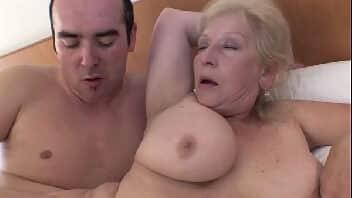 Filmes pornos grátis idosa fazendo sexo de quatro