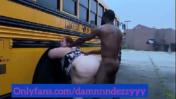 X videos gordinha dando a buceta para o negão atrás do ônibus
