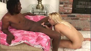 Comendo a namorada gostosa que adora quicar na vara