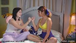 Porno doido lesbico duas amigas experimentando um sexo gostoso