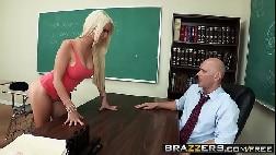 X vídeos gostosa aluna sapeca dando para o professor